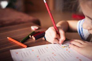 幼児英才教育についての賛否両論。